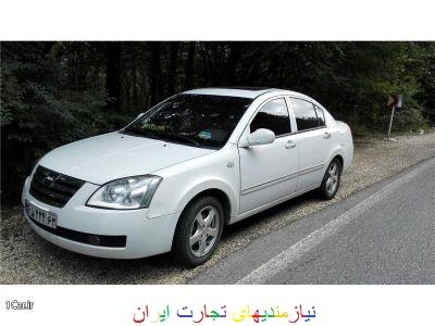 راننده با خودروی شخصی